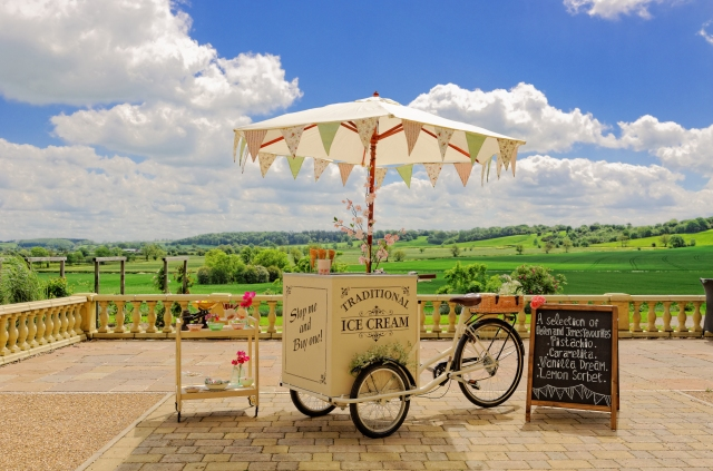Ice-cream tricycle hire