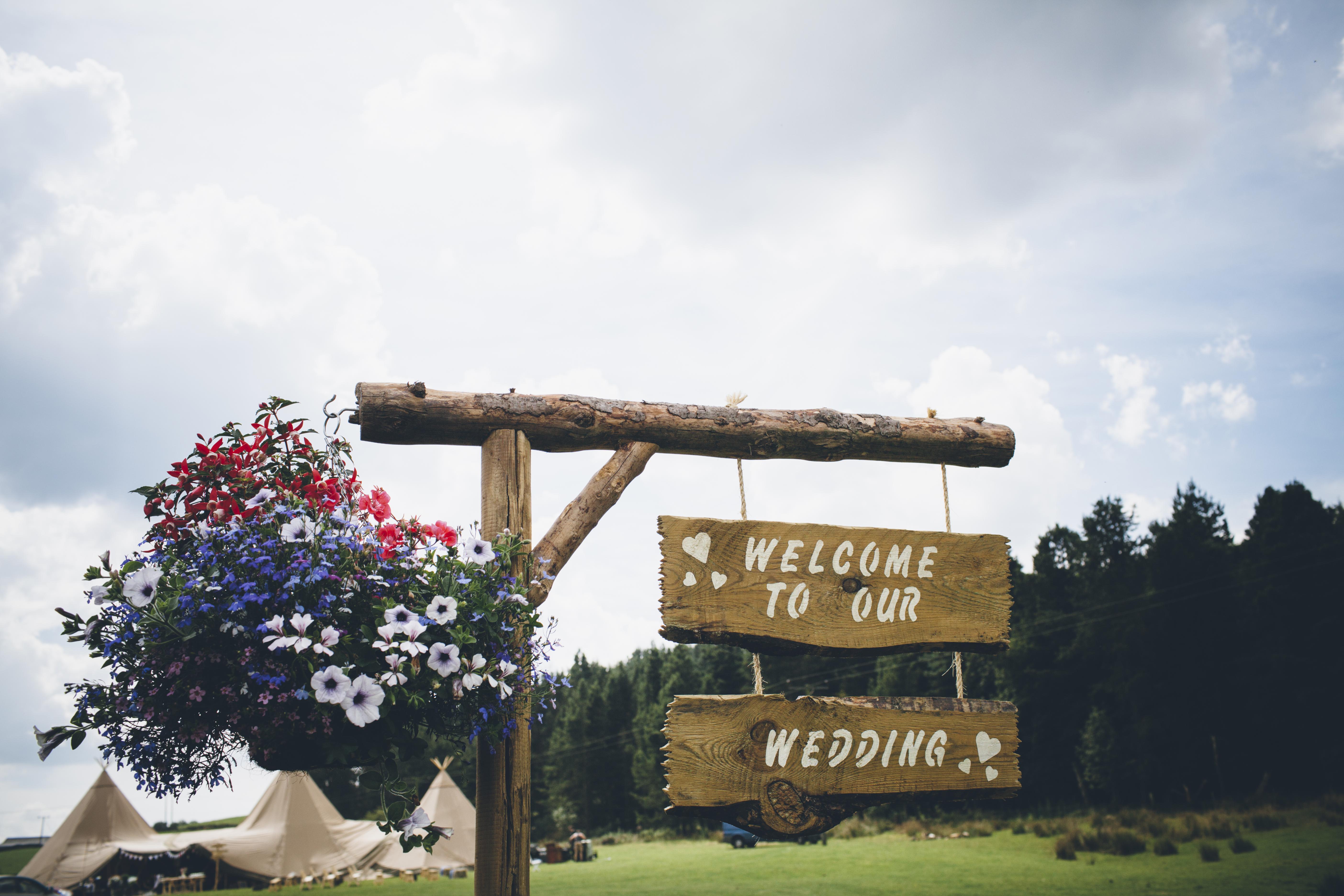 6 Top Tips to Kick Start Your Tipi Wedding Planning - Sami Tipi