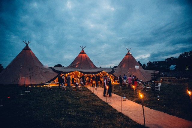 Tipi lighting by night